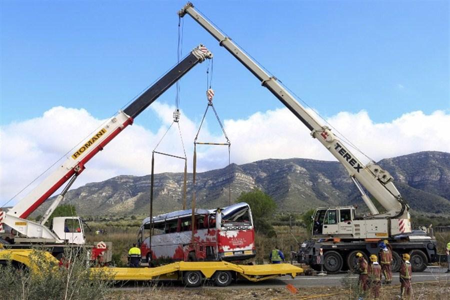 Exchange program bus crash kills 13, injures 44 in Spain