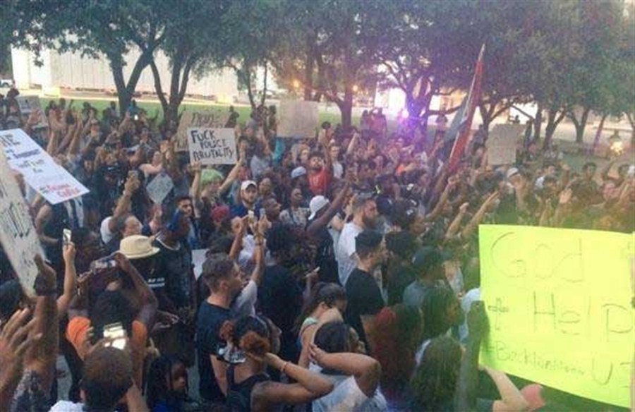 Scores arrested in US protests at police shootings