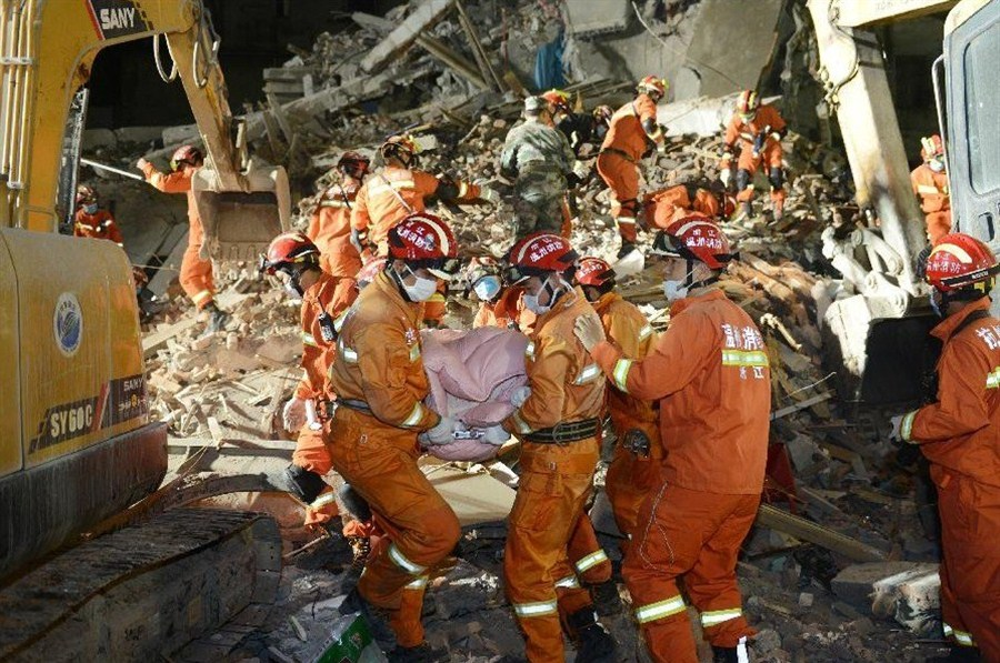 Death toll from E China residential building collapse rises to 22