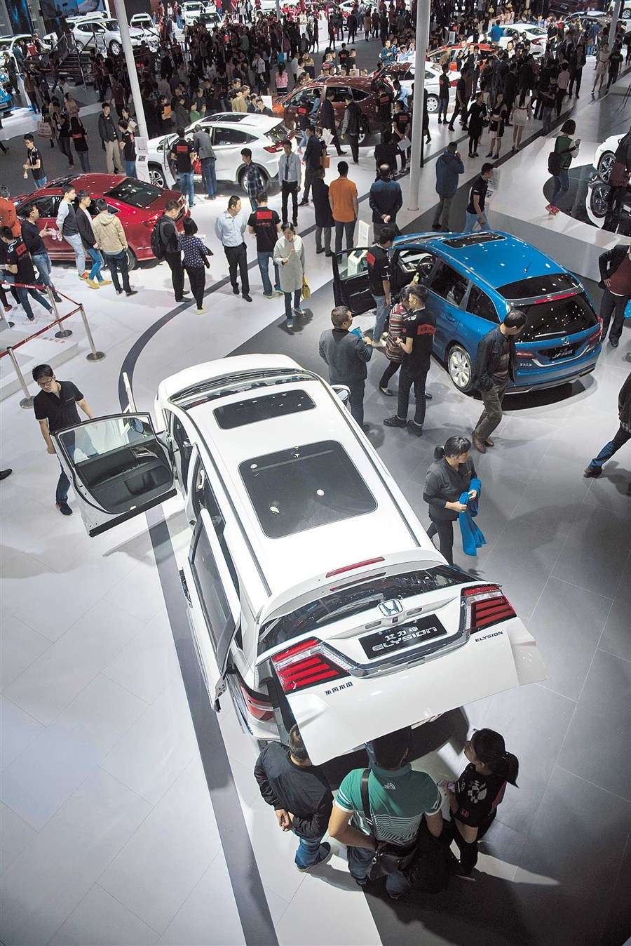 SUVs power China's auto sales
