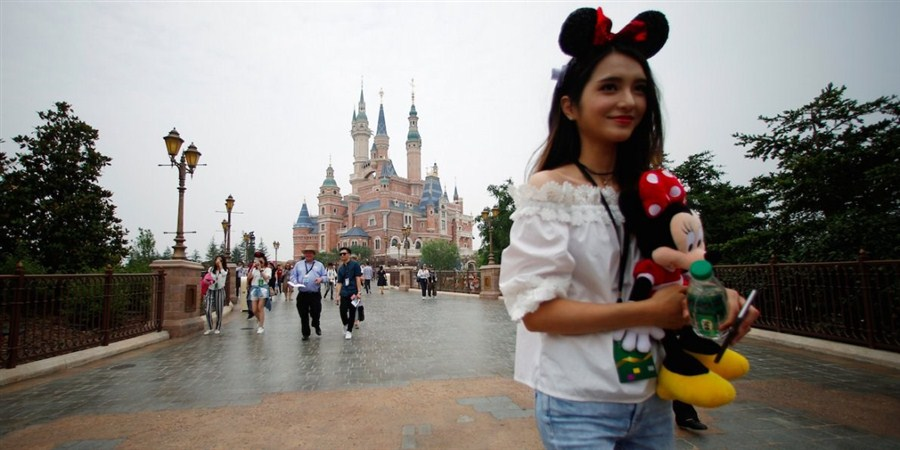 Wanda hires ex-Disney exec for theme parks