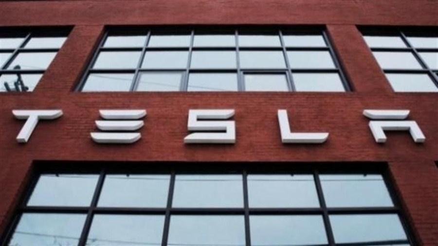 Tesla, Panasonic consider solar tie-up
