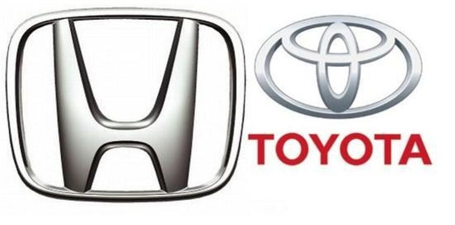 Honda sales drive past Toyota's