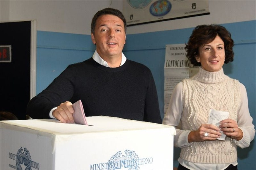 PM's future at stake as Italians vote on reform