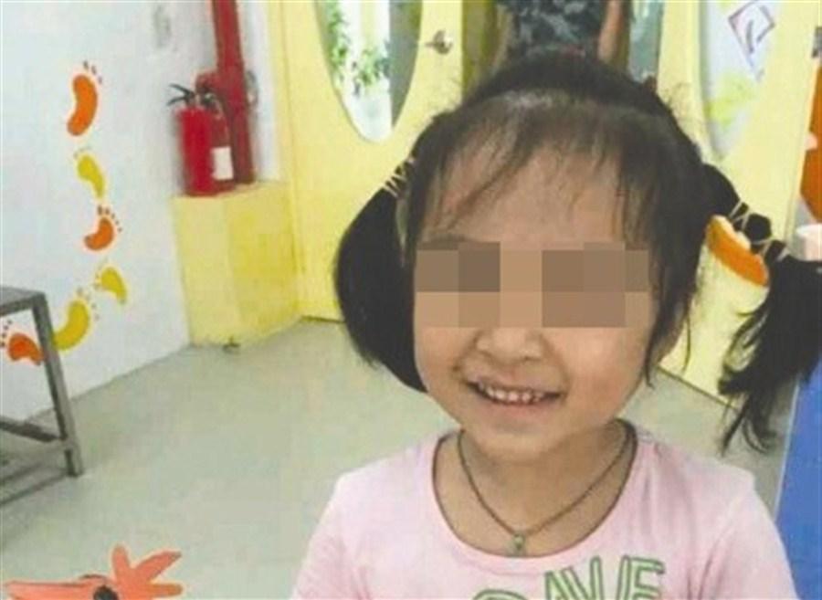 Crowdfunding cannot save China's leukemia girl