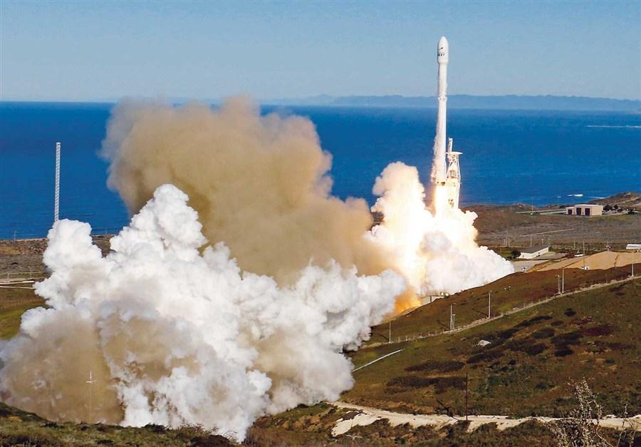 Rocket places satellites in orbit