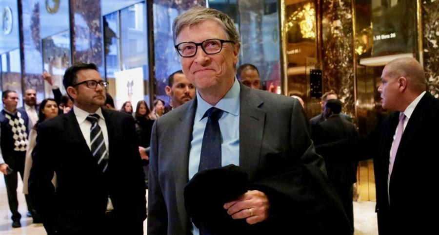 8 men now 'richer than half the world'