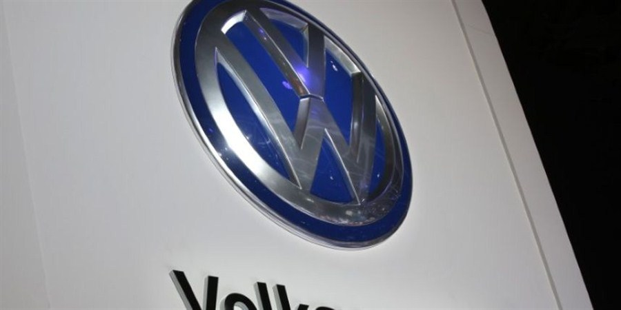 VW plans to make 1st cars with JAC by 2018