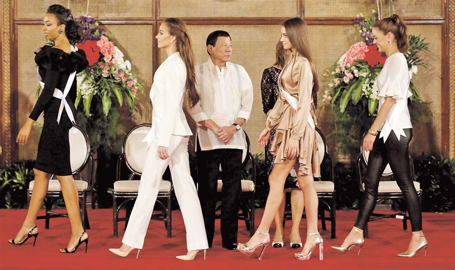 Duterte plays safe with beauty entrants