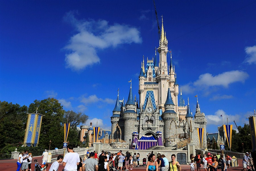 Disney parks in US increases prices again
