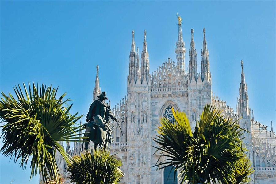 Palms near cathedral in Milan spark Italian fury