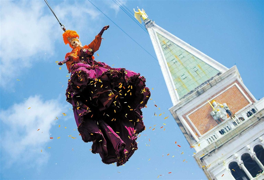 'Angel' descends on St Mark's Square