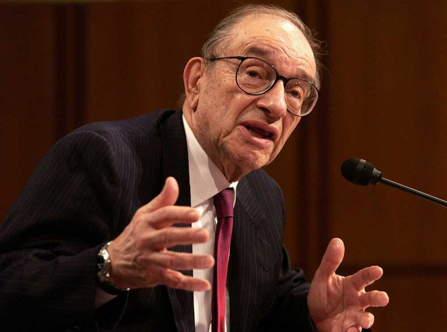Greenspan expounds on gold, economics