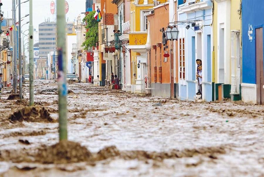Flash flood in Peru leaves 72 dead