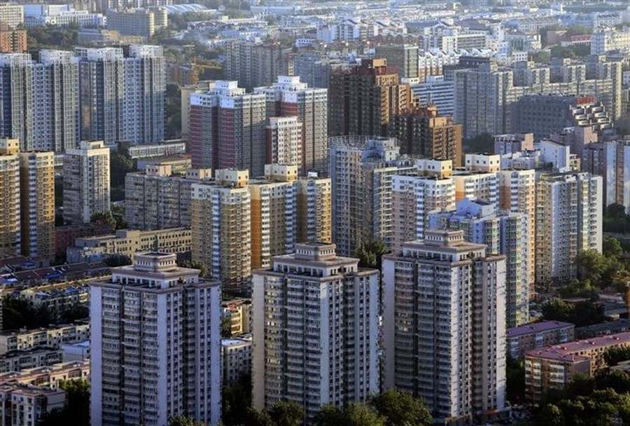 Over half of Chinese households believe housing prices too high