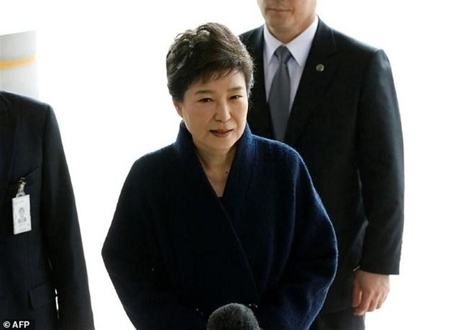 SK prosecutors call for Park's arrest