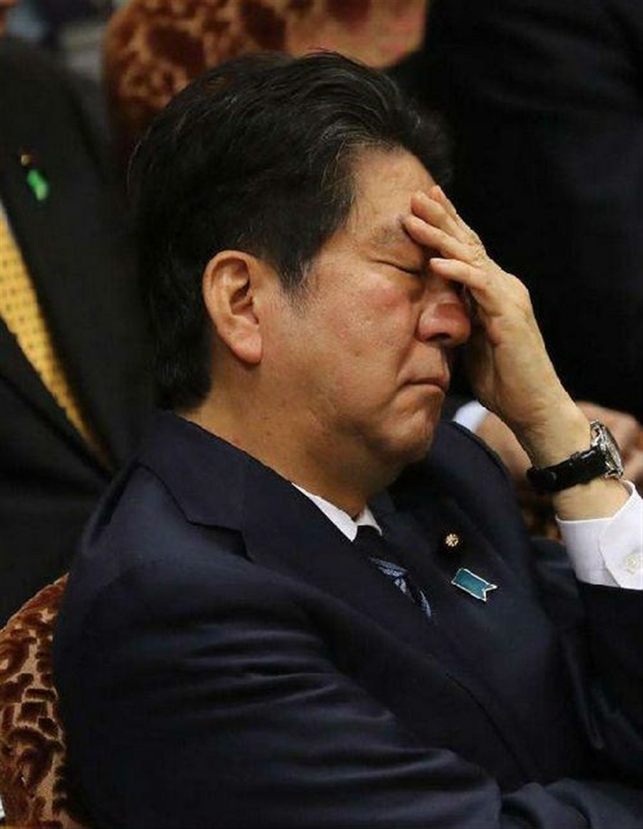 Japanese prime minister fears NK sarin gas missile