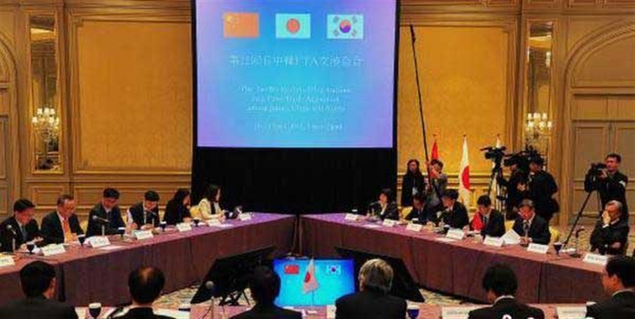 China, Japan, SK hold 12th FTA talks