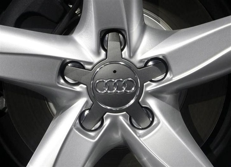 Audi fixes feud with new deal
