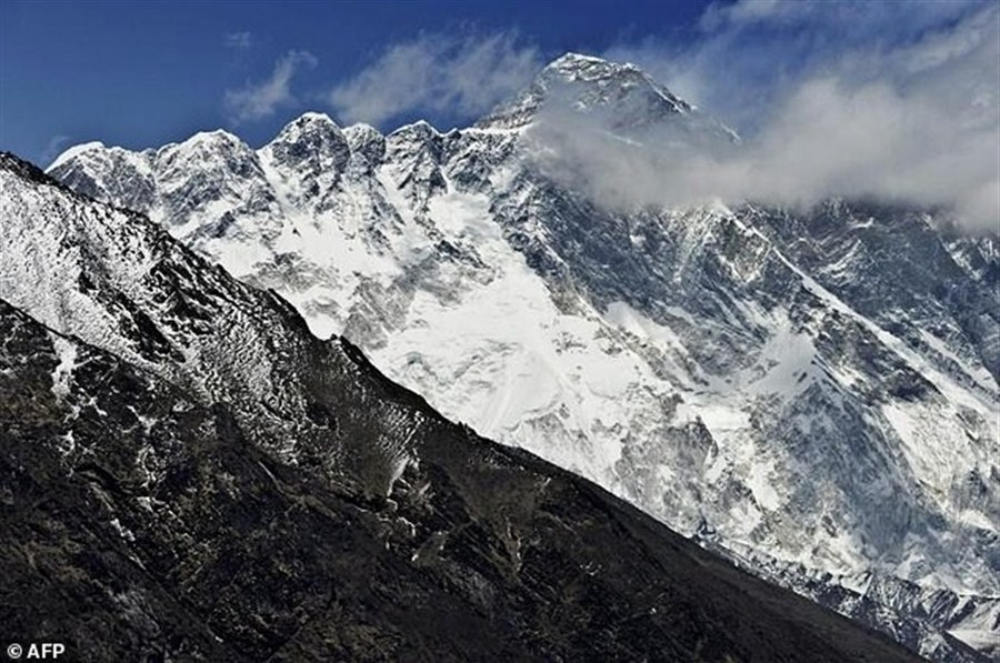 Everest toll 10 after 4 more climber deaths