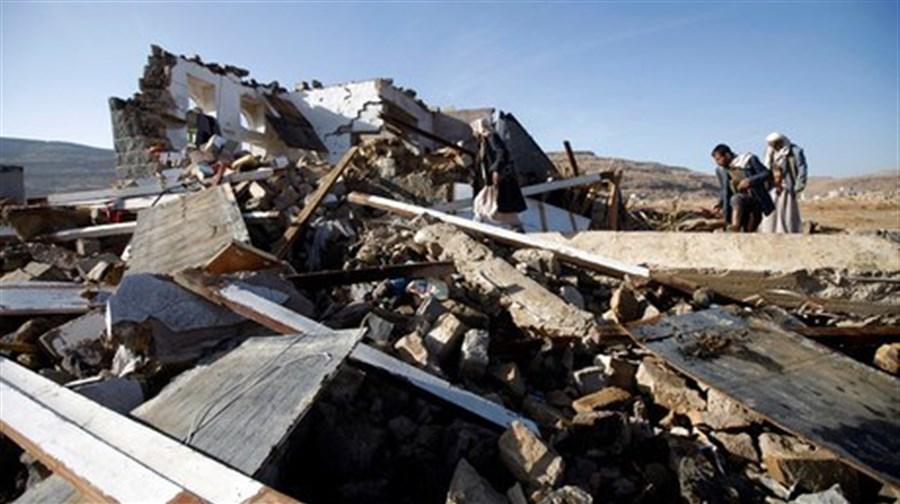 24 killed in air raid on Yemen market: medical official