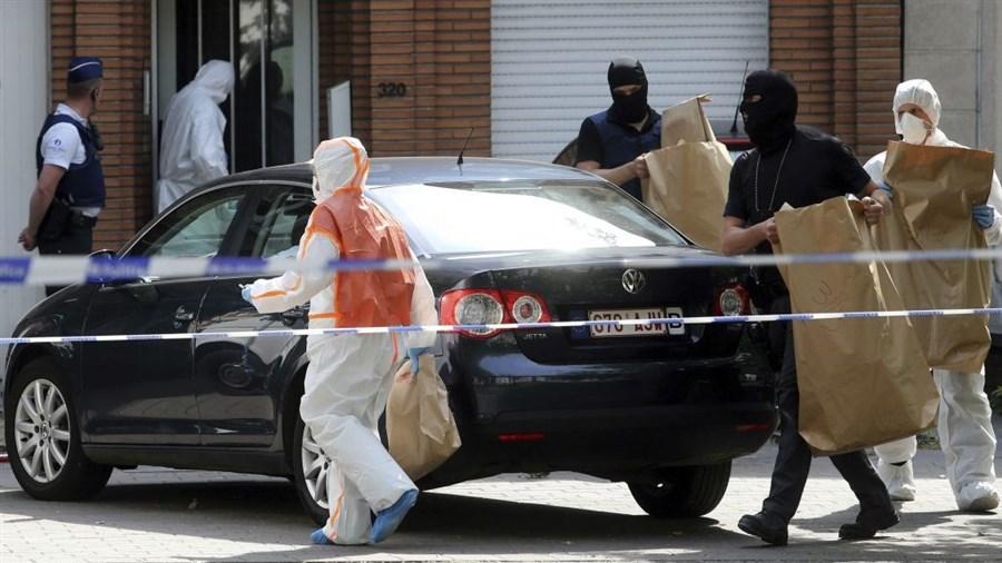 4 arrests in raids linked to Brussels bomb bid