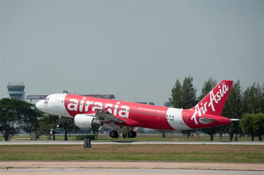 AirAsia jet returns to Australia