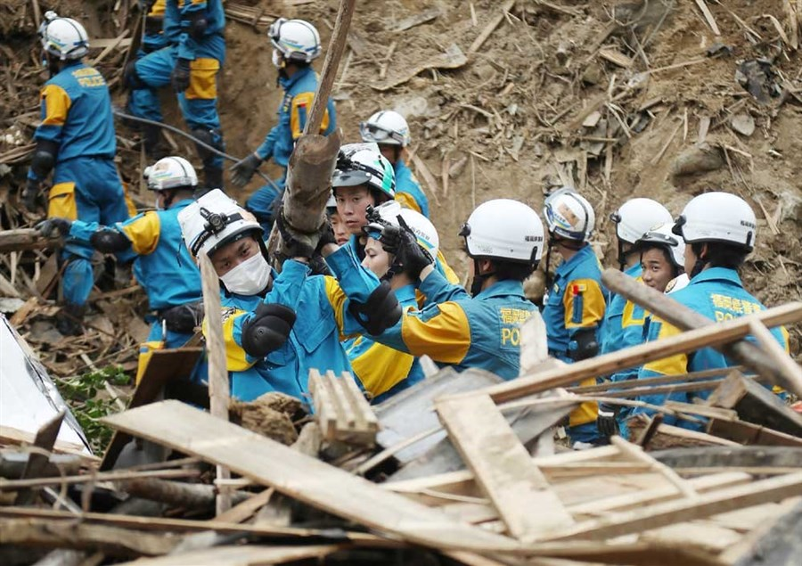 Search for victims of flooding in Japan