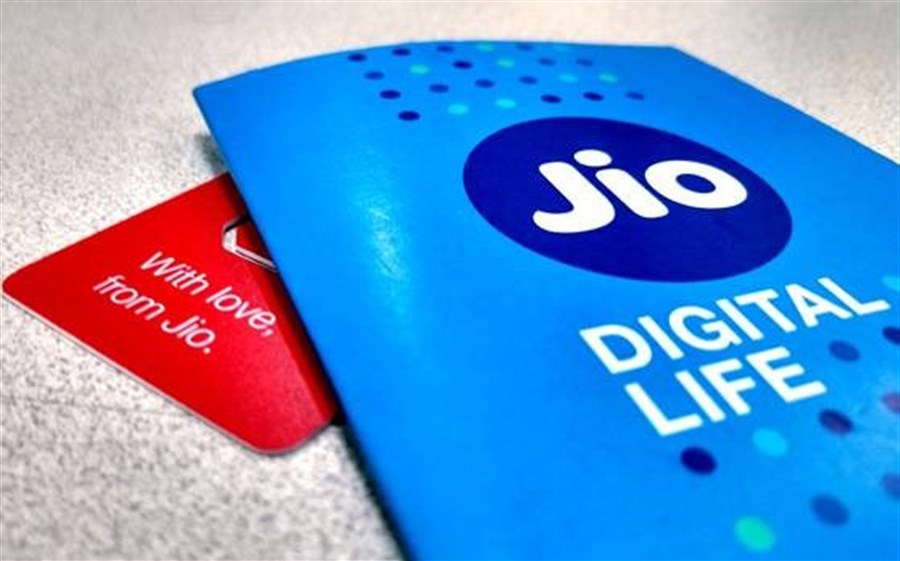 Police detain man in probe of alleged data leak at India's Jio