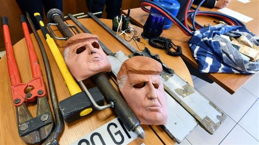 In nod to Hollywood, Italian bank robbers don Trump masks for heists