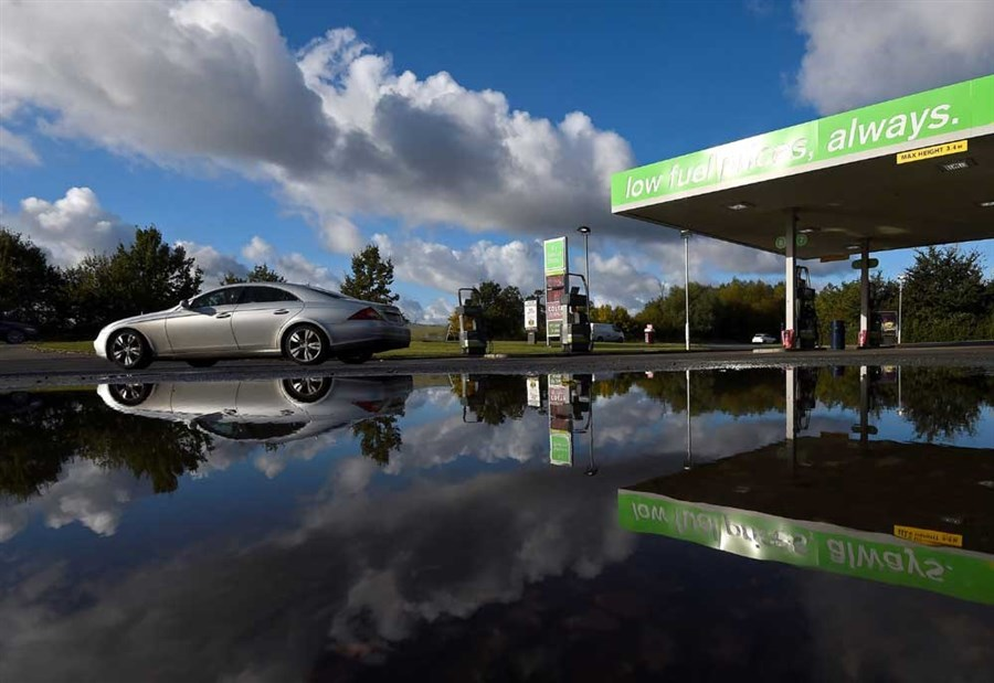 Britain set to prohibit new petrol and diesel car sales