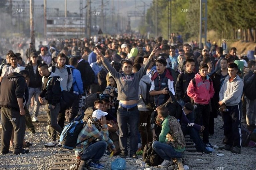 EU announces new emergency support for Greek refugee crisis