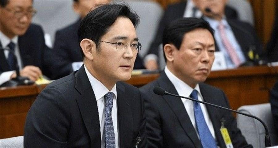 Samsung heir facing 12-year jail in graft trial