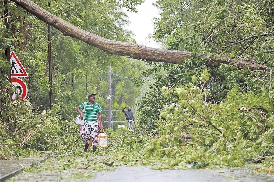 Hurricane Maria whacks Dominica
