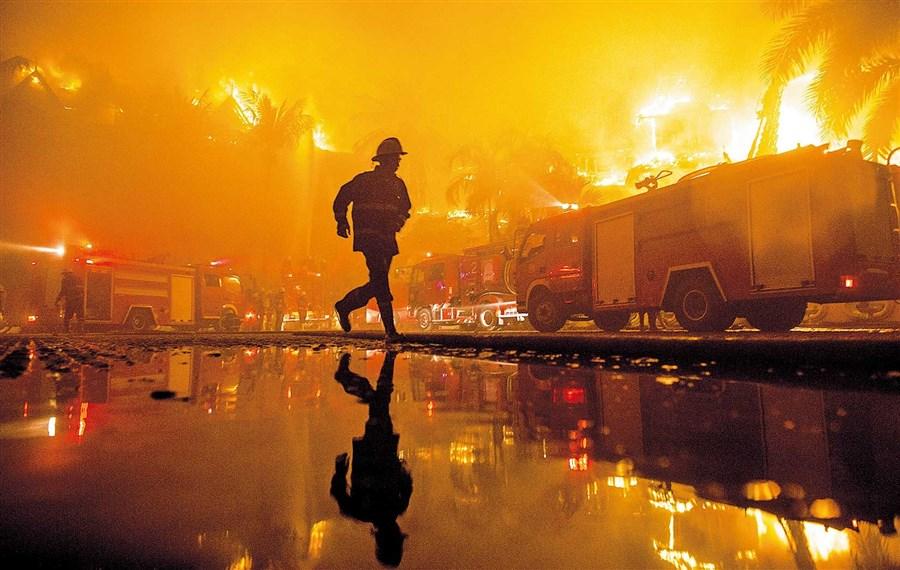 Fire destroys luxury Myanmar hotel