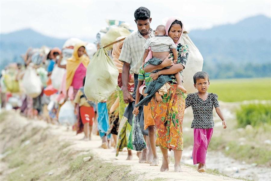 Rohingyas enter Bangladesh