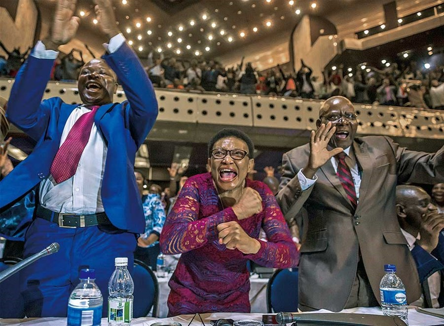 Celebrations as Mugabe quits after 37 years