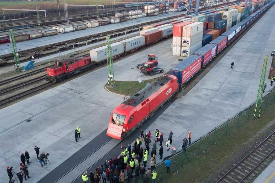Li urges China-Europe link to speed up