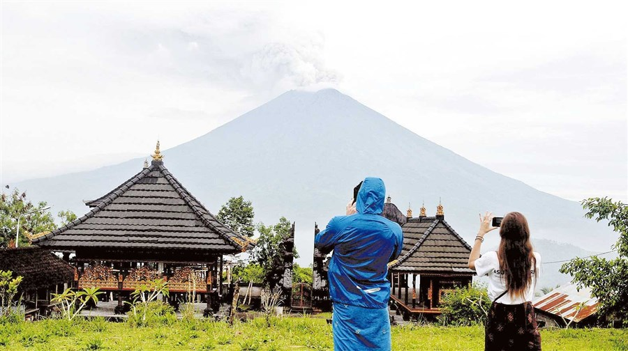 Airport in Bali reopens to flights