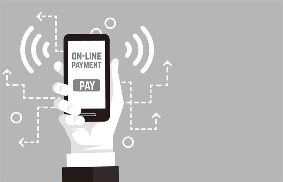 Smartphone payment creates lighter purse