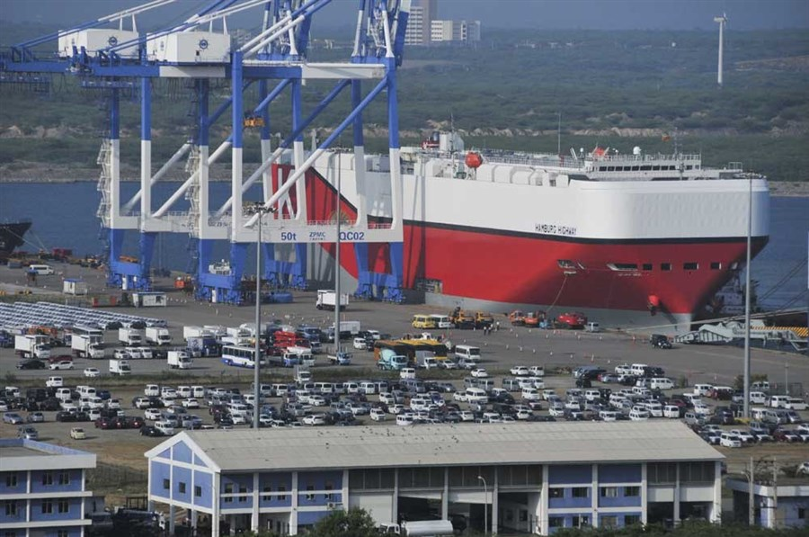 Sri Lanka passes port to Chinese firm