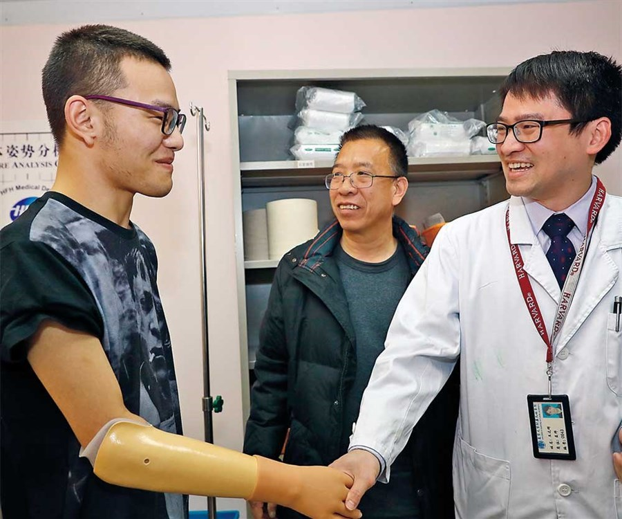 Prosthetic limbs for 4 survivors of tragedies