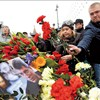 Russians pay tribute to murdered MP