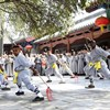 20 African apprentices graduate from C China's Shaolin Temple