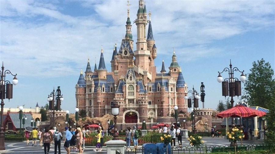 Shanghai Disneyland Attracts 7 Million Visitors Since
