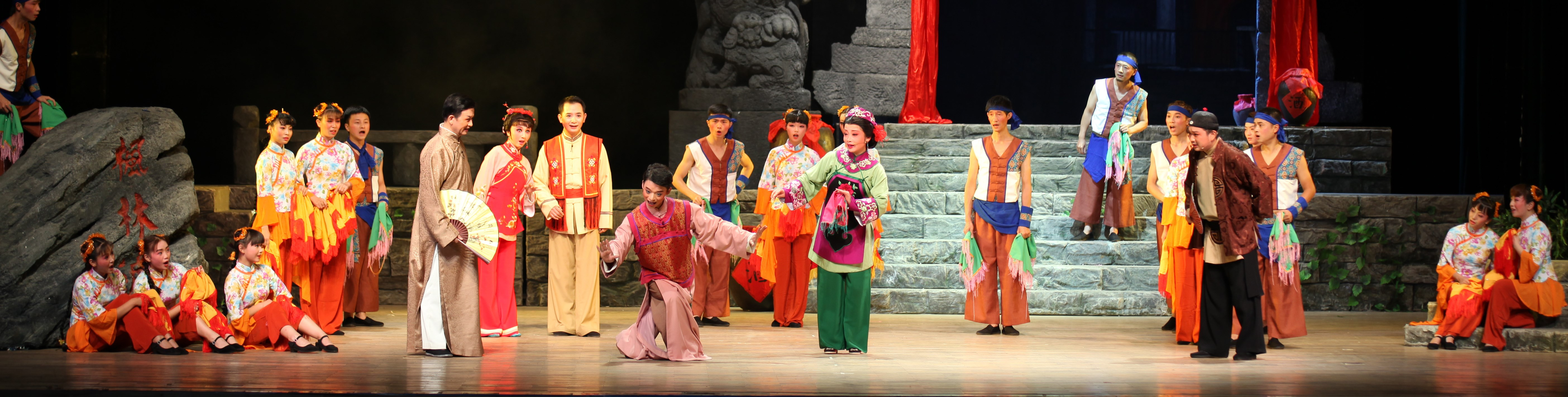 "Huadeng Opera play ""Maple Forest Wharf in the Moonlight"" will be presented at the upcoming Shanghai International Arts Festival."