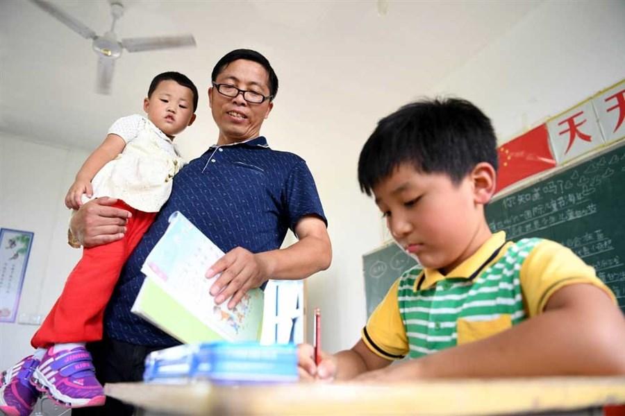 Dedicated teacher keeps school open