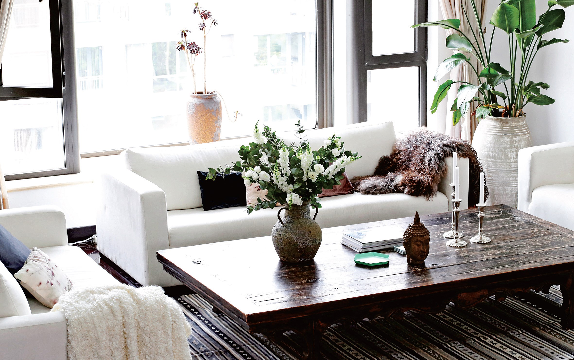 The interior style is a mix of Bohemian and Nordic, with a Chinese twist.