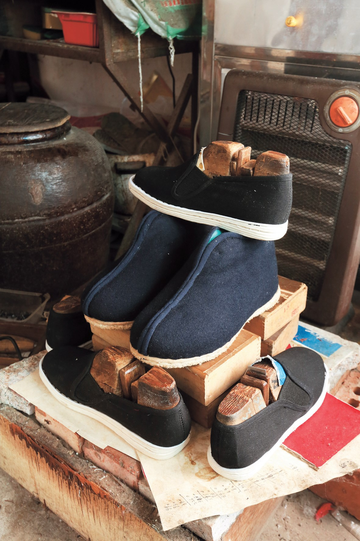A pair of Yang Shenxi's handmade cloth shoes costs 170 yuan (US$25.70), at least five times more than similar mass-produced shoes on the market.