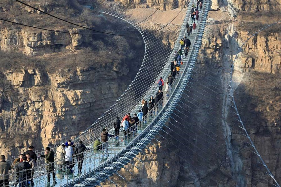 Glass bridges a rage at tourist spots